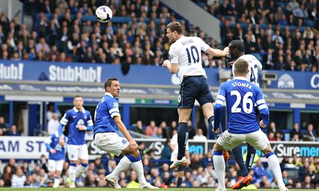 Manchester City's Edin Dzeko scores the second goal for his side against Everton
